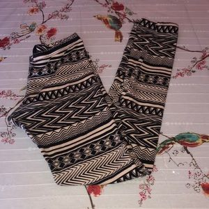 Tribal leggings love culture size M